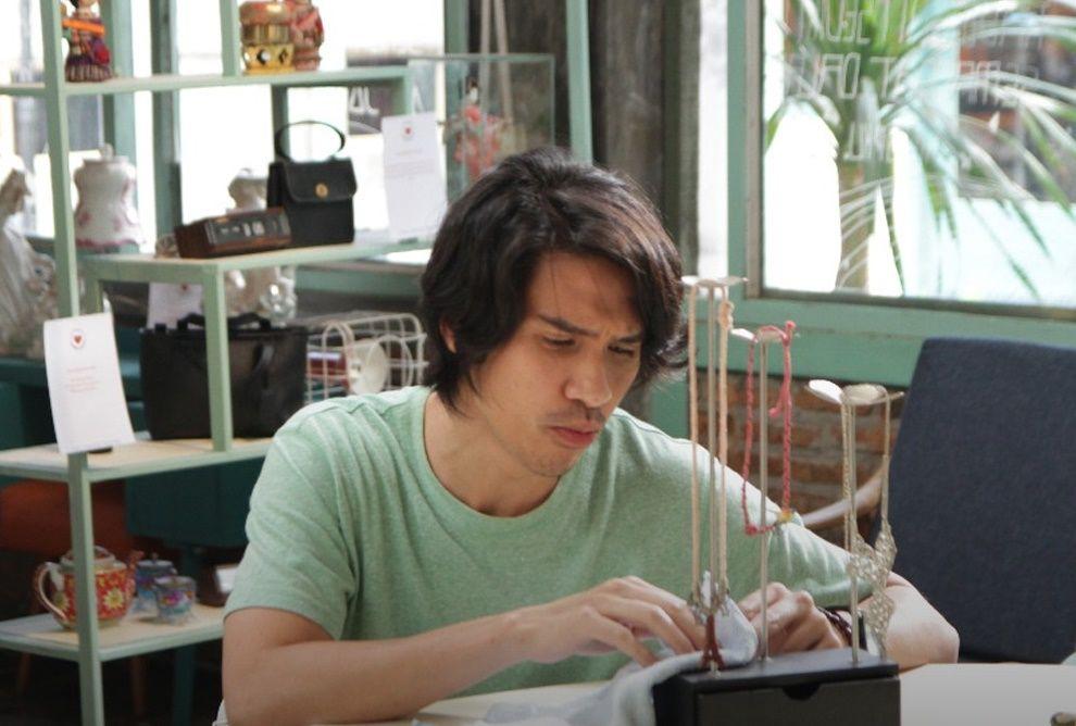 Review Film Toko Barang Mantan: Toko yang Merayakan Perpisahan
