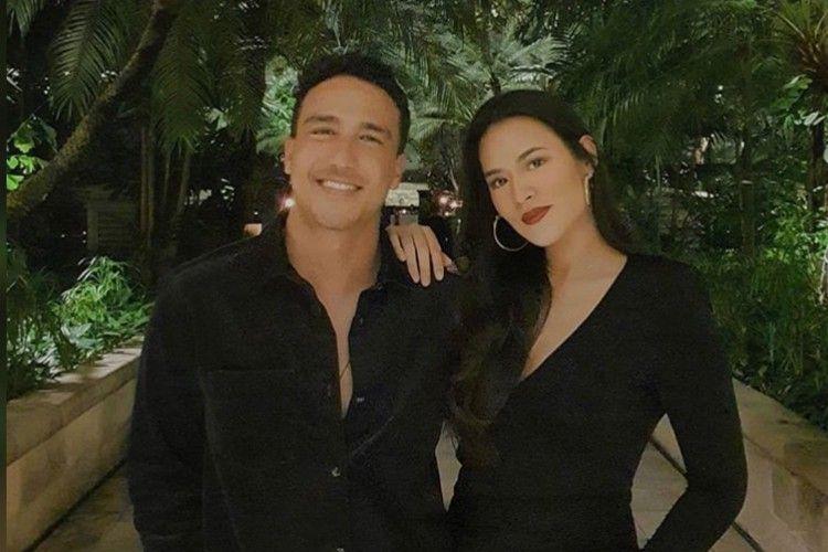 Penuh Cinta 7 Seleb Indonesia Ini Rayakan Valentine Lewat Dinner Romantis