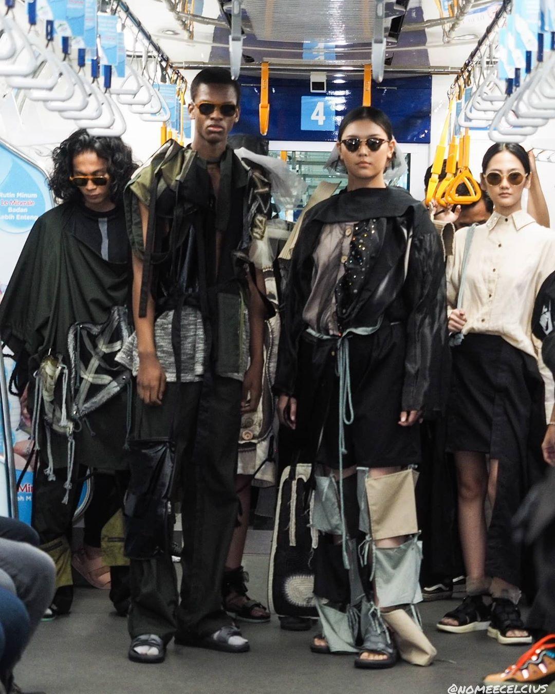 Uniknya Fashion Rocks 2020: Peragaan Busana Pertama di MRT Jakarta