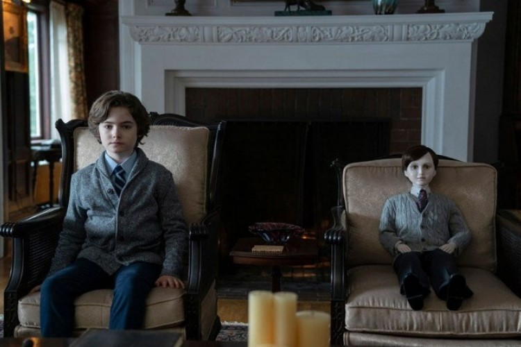 Review Film Brahms, The Boy 2: Sekuel Horor yang Serba Tanggung