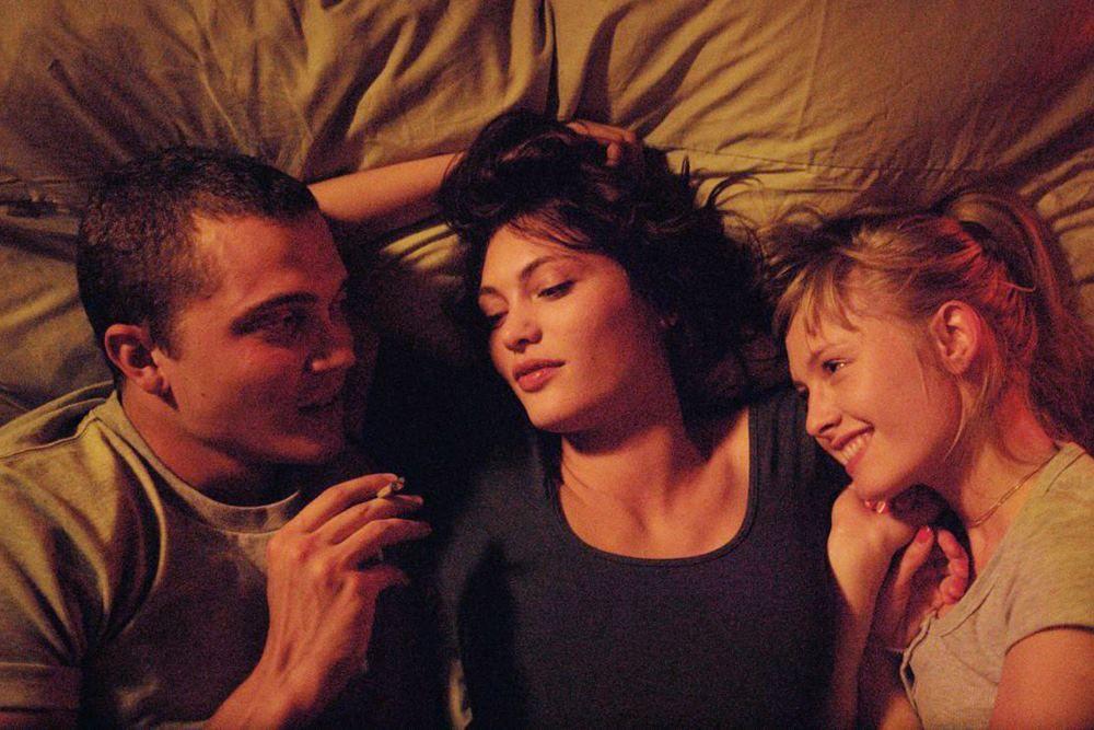 Bikin Bergairah, Ini 9 Film Netflix dengan Adegan Seks Paling Panas
