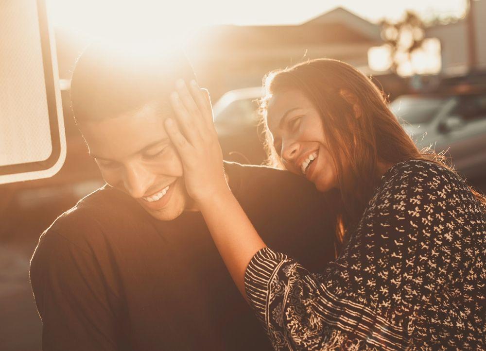 Ternyata, 5 Hal Kecil Ini Bisa Membuat Pasanganmu Merasa Dihargai