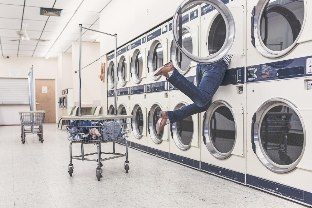 Banjir Datang Lagi, Ini 4 Cara Cuci Pakaian dari Lumpur Pasca Banjir