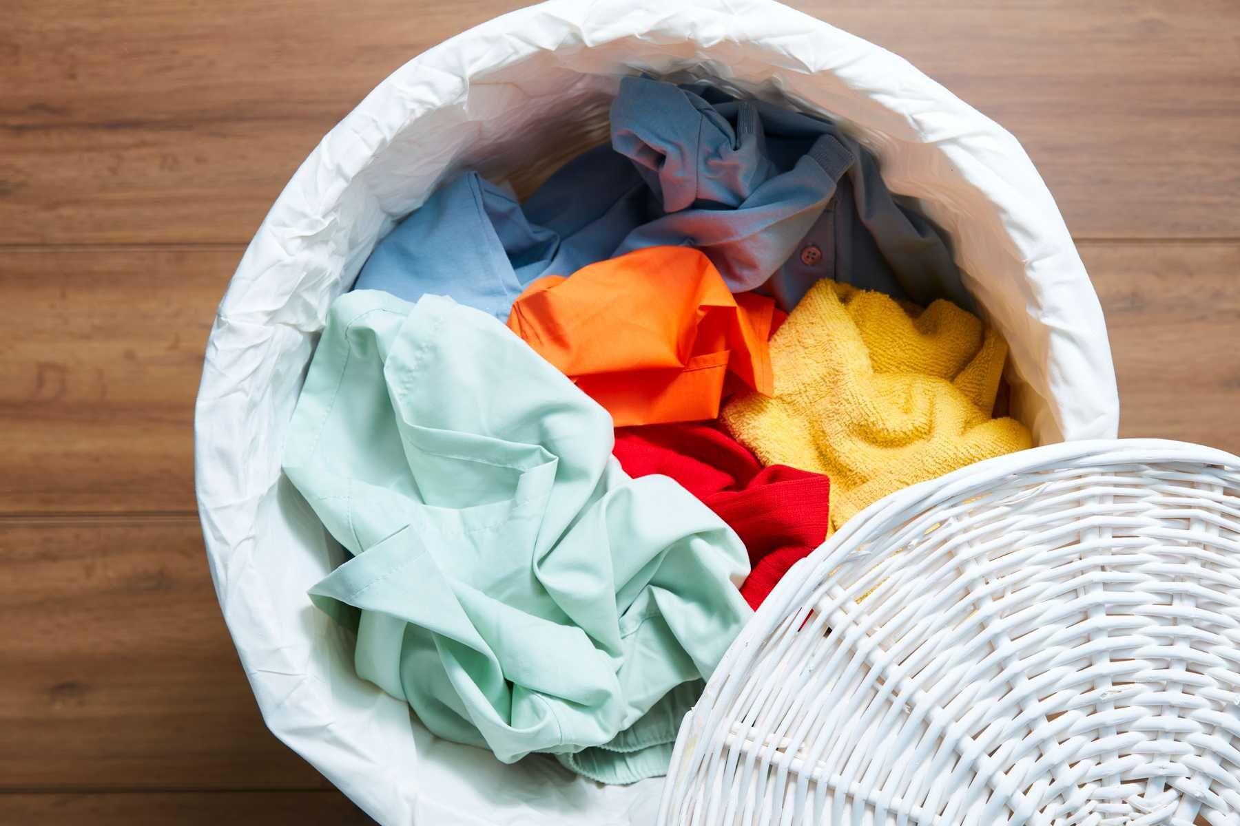 Penting! Begini Cara Mudah Cuci Pakaian dari Noda Lumpur Akibat Banjir