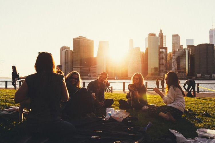 5 Hal yang Harus Kamu Lakukan Saat Semua Sahabatmu Sudah Menikah