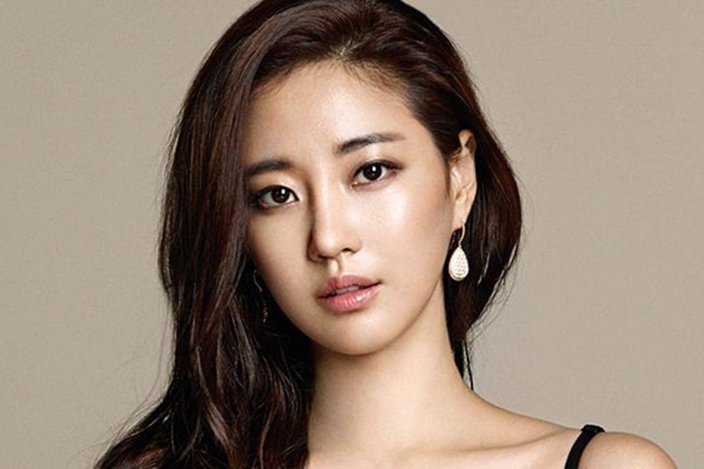 Di Atas 35 Tahun, 7 Artis Cantik Korea Ini Menikmati Status Single