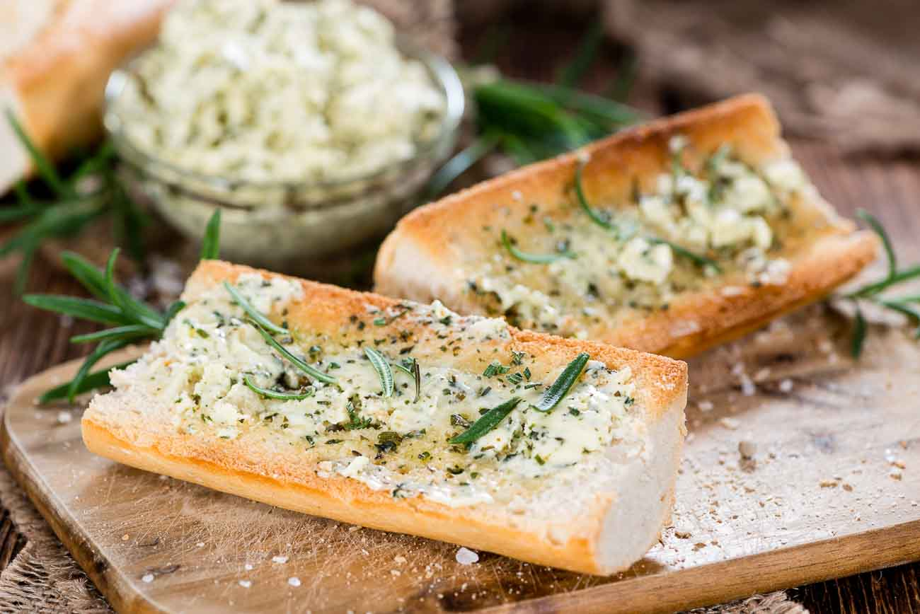 Resep Mudah Membuat Garlic Bread A la Rachael Ray di Rumah