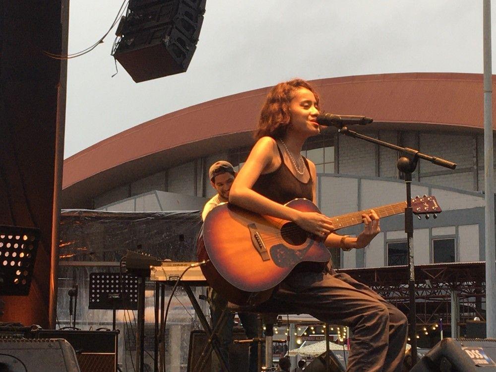 Berkenalan Dengan Faye Risakotta, Penyanyi Old Soul yang Muda Belia