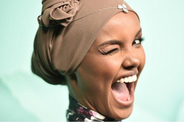 5 Tips Menjaga Rambut Tetap Sehat Bagi Perempuan Berhijab