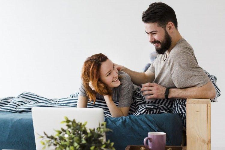 5 Cara Agar Aktivitas Seksual Tetap Hangat Setelah 10 Tahun Menikah