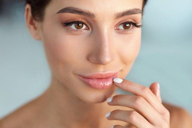 Bibir Terlihat Gelap? Ini 5 Cara Mengakalinya
