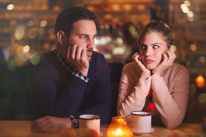 5 Tanda Hubungan Asmara Kamu Hanya Buang Waktu, Saatnya Move On!