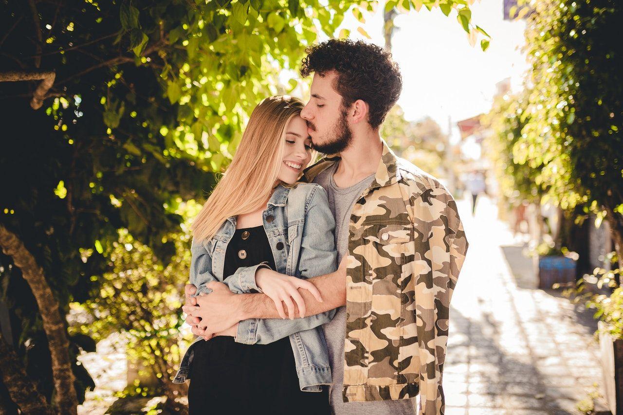 5 Hal yang Patut Dipertimbangkan Sebelum Menggali Masa Lalu Pasangan
