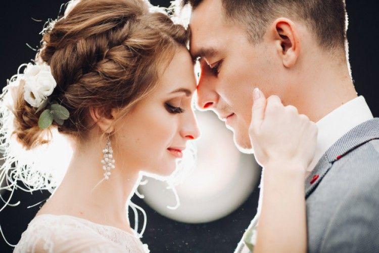 Alasan Orangtua Menginginkan Kamu Cepat Menikah
