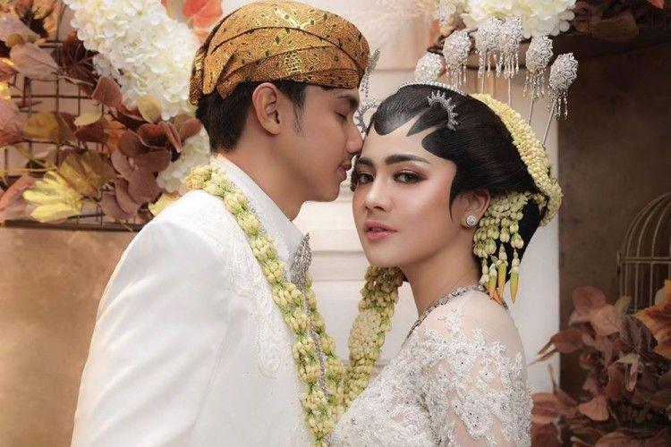 Romantis! Ini Foto-foto Pre-Wedding Hito Caesar & Felicya Angelista