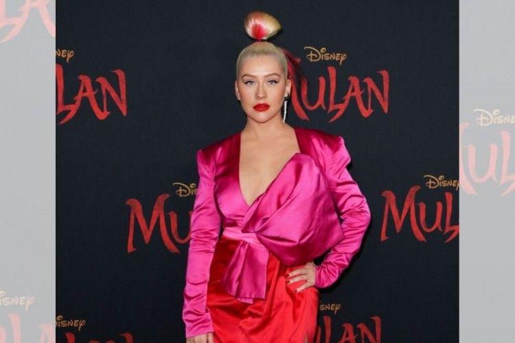 Christina Aguilera Bawakan Kembali Original Soundtrack Film Mulan