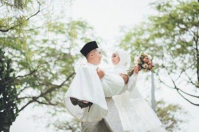 5 Kebiasaan Resepsi Pernikahan Bisa Kamu Langgar