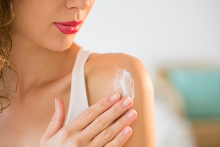 6 Whitening Lotion Drugstore yang Bikin Kulitmu Cerah Seketika