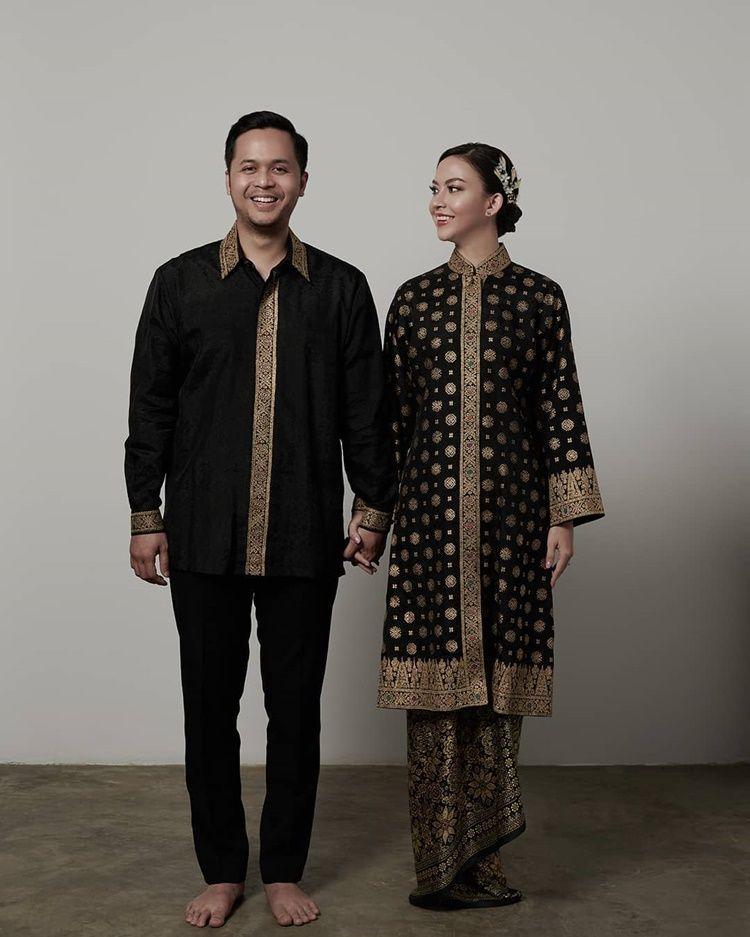 Segera Menikah, 9 Foto Pre-Wedding Karina Nadila dan Calon Suami