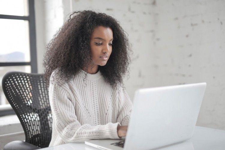 Ketahui 6 Alasan Jangan Mengirim E-mail Profesional Setelah Malam Hari