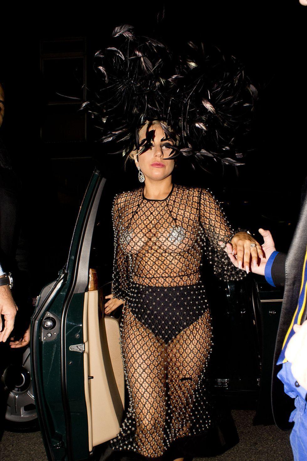 Gaya Seksi Lady Gaga Paling Kontroversial Sepanjang Masa
