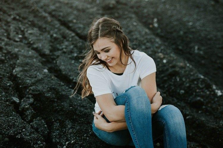 Nggak Nyangka! Ini Lho 5 Penyebab Introvert Sulit Jatuh Cinta