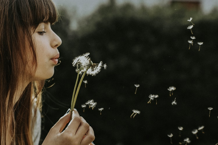 15 Tanda Perempuan yang Sudah Dewasa Secara Emosional, Kamu Termasuk?
