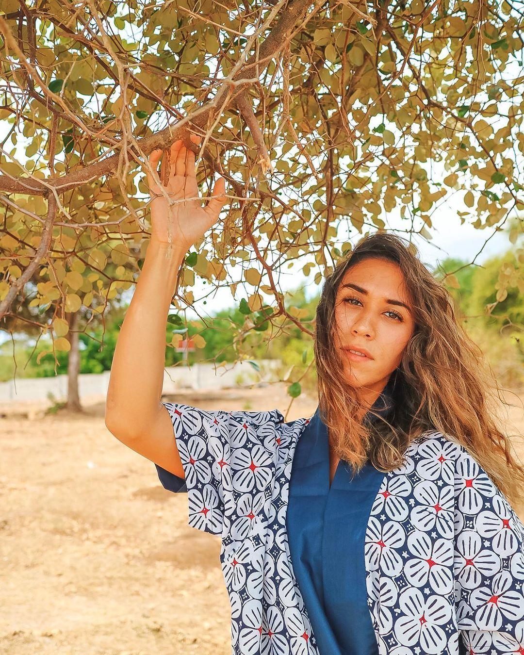 Siap-siap Jatuh Cinta! Ini 7 Artis Cantik Berdarah Bali