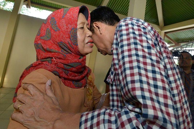 Penuh Kenangan, 9 Momen Kedekatan Jokowi dan Ibunda Sebelum Berpulang