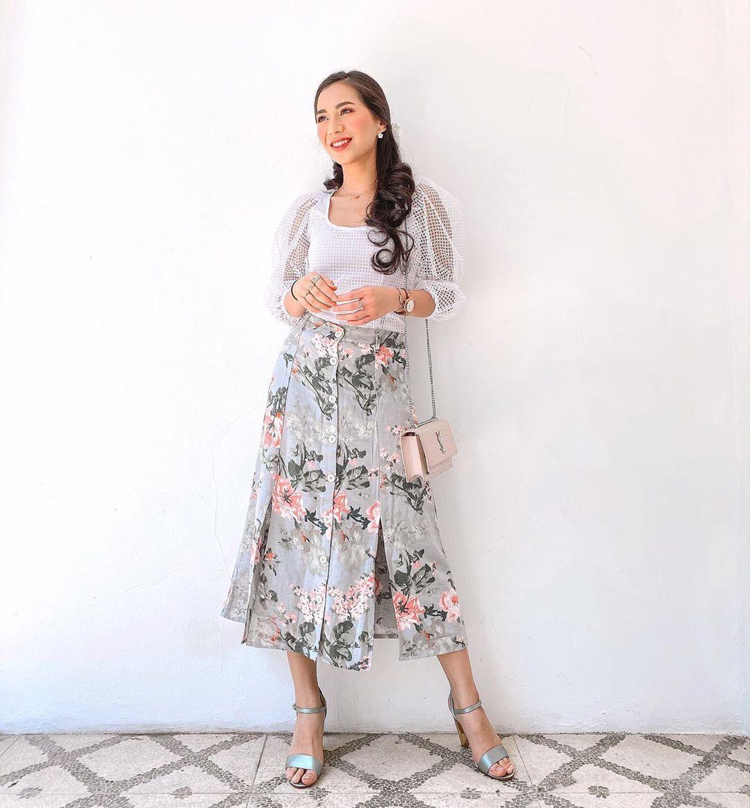 Mau Tampil Feminin, Tiru Gaya Manis Selebgram Indonesia Ini Yuk!