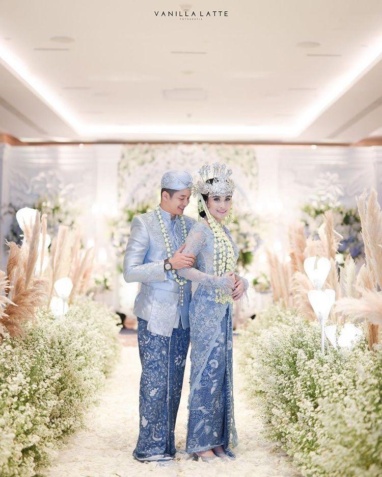 9 Foto Pernikahan Adly Fairuz & Angbeen Rishi yang Tak Dihadiri Ibunda