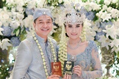 9 Foto Pernikahan Adly Fairuz & Angbeen Rishi Tak Dihadiri Ibunda