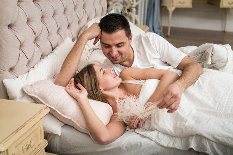 5 Alasan Pentingnya Berhubungan Seks Minimal Seminggu Sekali