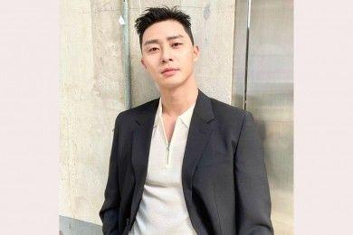 9 Tatanan Gaya Rambut Park Seo Joon Berbagai Drama Korea