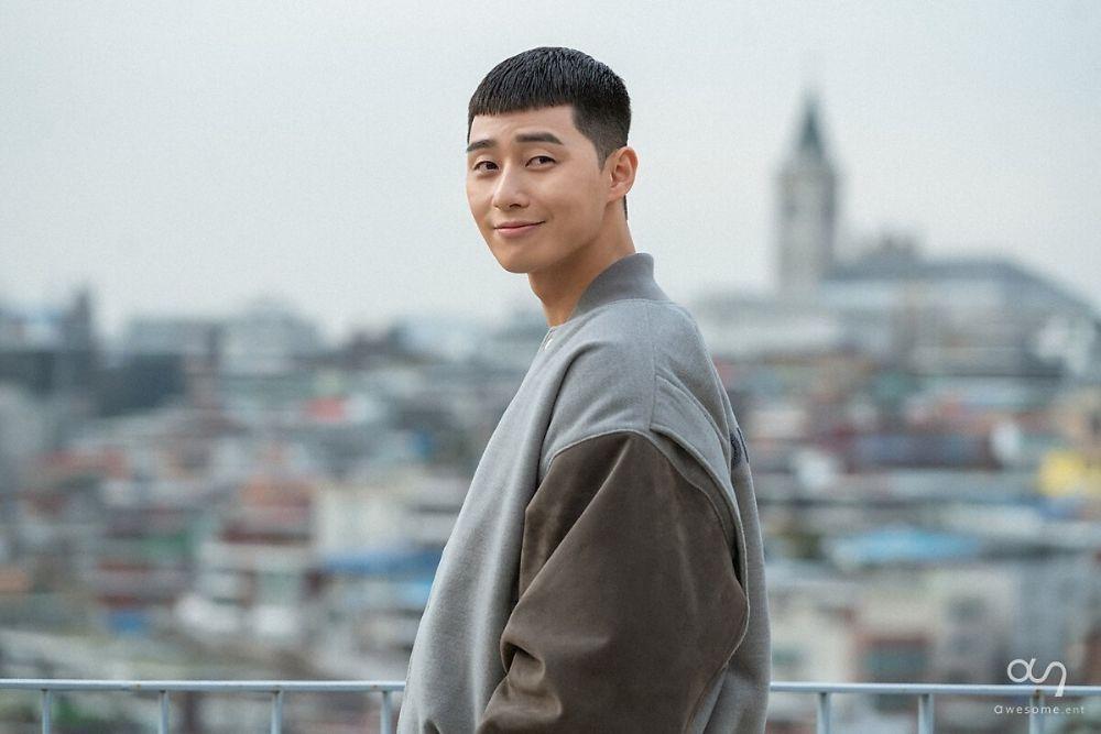 9 Tatanan Gaya Rambut Park Seo Joon di Berbagai Drama Korea