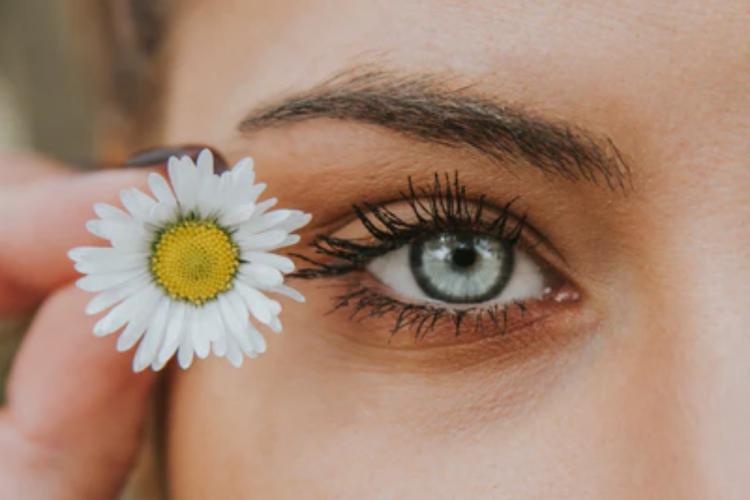 5 Tips Pakai Maskara Untuk Hasil Seperti Eyelash Extension