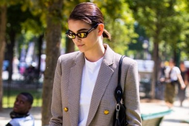 Tips Mudah Padu-padan Kaos Polos Layak Seleb Hollywood