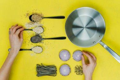 Gerakan Sosial COVID-19 Melalui Live Cooking Yummy MasakdiRumahAja