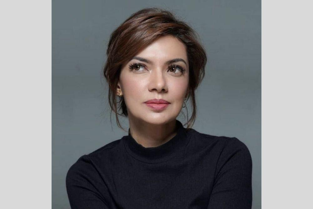 Flawless dan Memesona, Begini Gaya Riasan Najwa Shihab