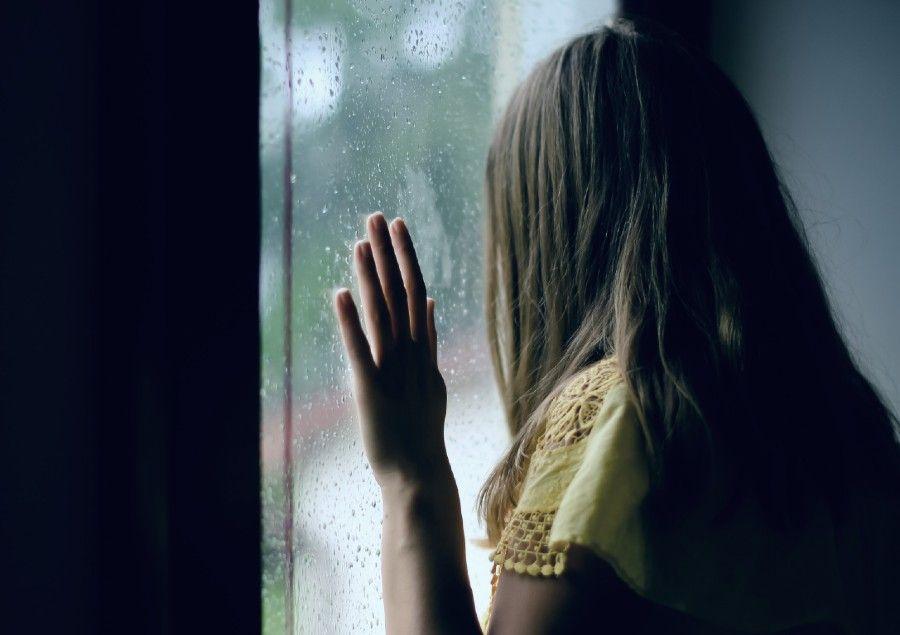 #PopbelaWFH Kenapa Hujan Bikin Mood Jadi Sendu? Ini Penjelasannya