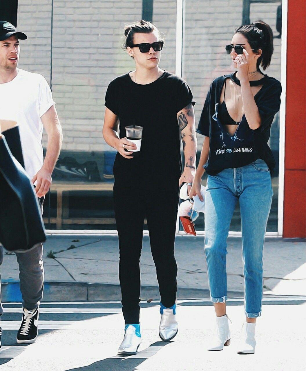 Kasual hingga Formal, Ini Gaya Outfit Kendall Jenner danHarry Styles