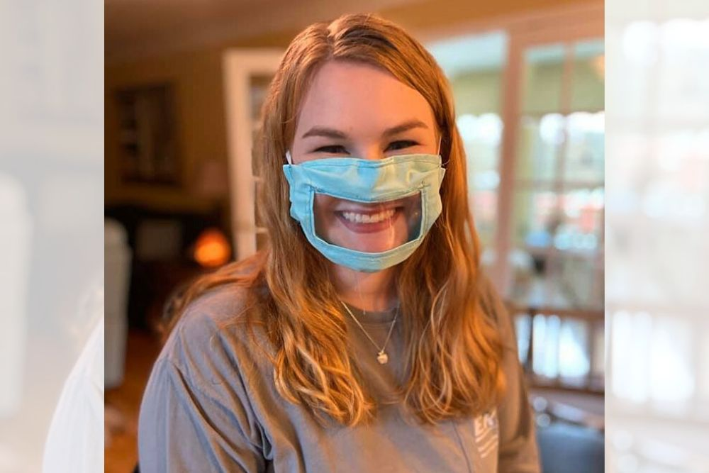 Unik, Mahasiswi Ini Buat Masker Khusus Bagi Mereka yang Tuli