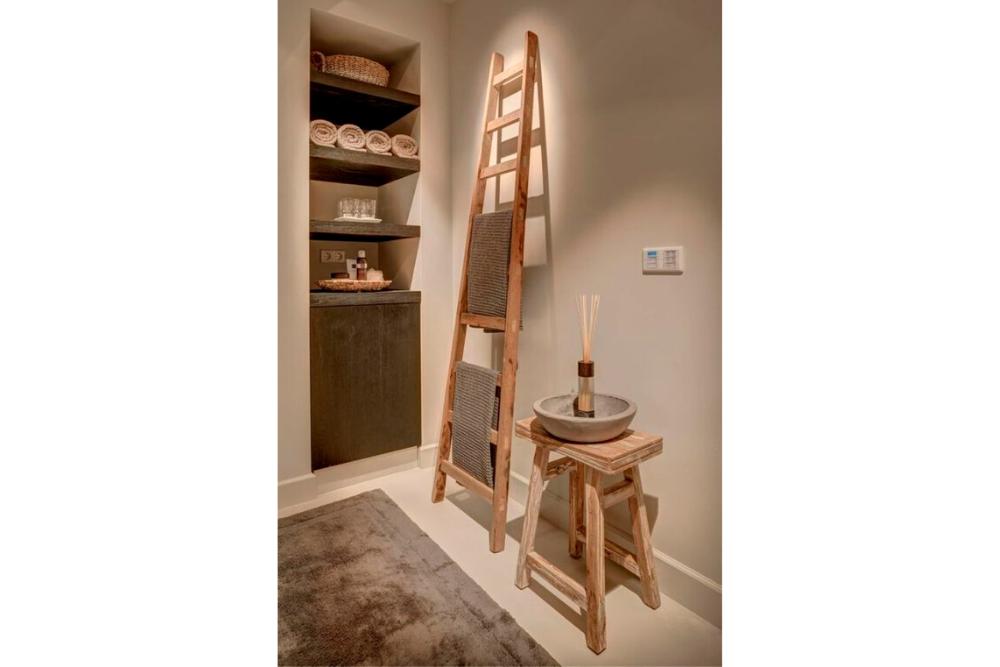 7 Ide Kreatif Desain Rak untuk Ruangan Kecil