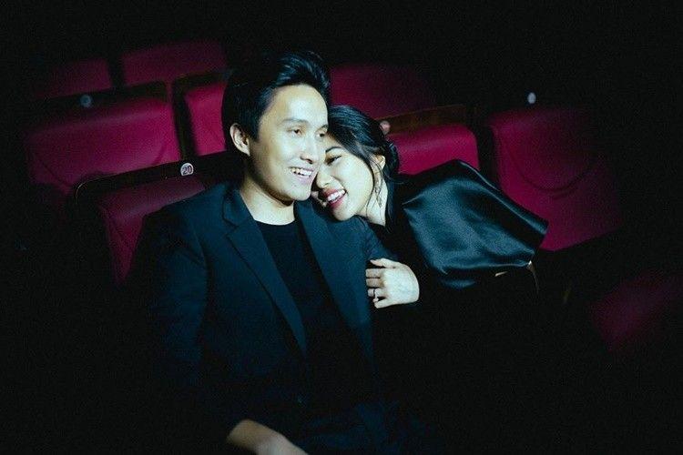 Jarang Terekspos, 9 Foto Romantis Isyana Sarasvati dan Rayhan Maditra