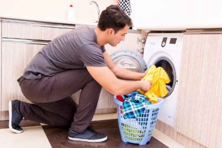 Tips Agar Suami Mau Bantu Pekerjaan Rumah Selama #dirumahaja