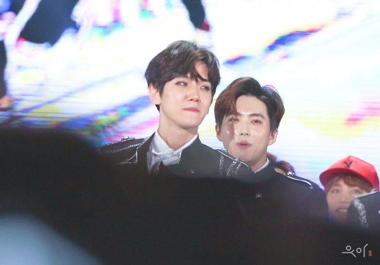 Kompak Bak Saudara, Intip 10 Bukti Persahabatan Suho & Baekhyun 'EXO'