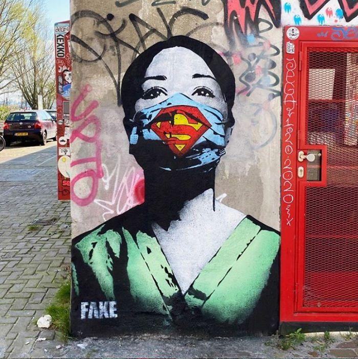 11 Grafiti di Seluruh Dunia Ini Terinspirasi dari Pandemi Corona