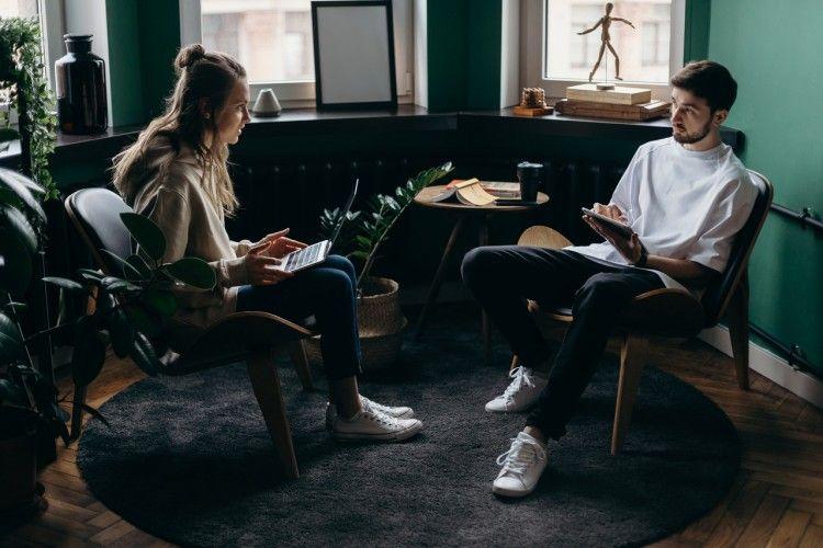 7 Tips Tetap Produktif dan Bahagia Saat Work From Home Bareng Pasangan