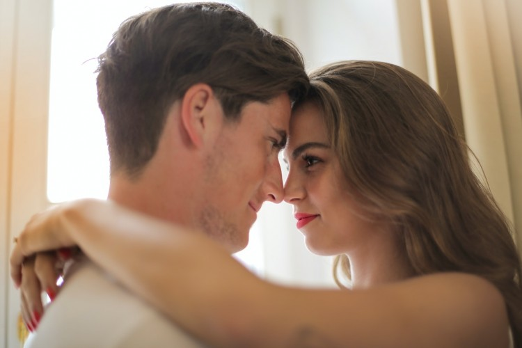 5 Cara Mengatasi Kecemasan Terhadap Seks