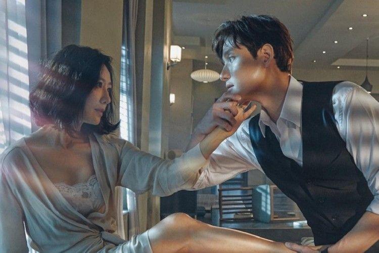 "7 Pelajaran Cinta dari Drama Korea ""The World of The Married"""